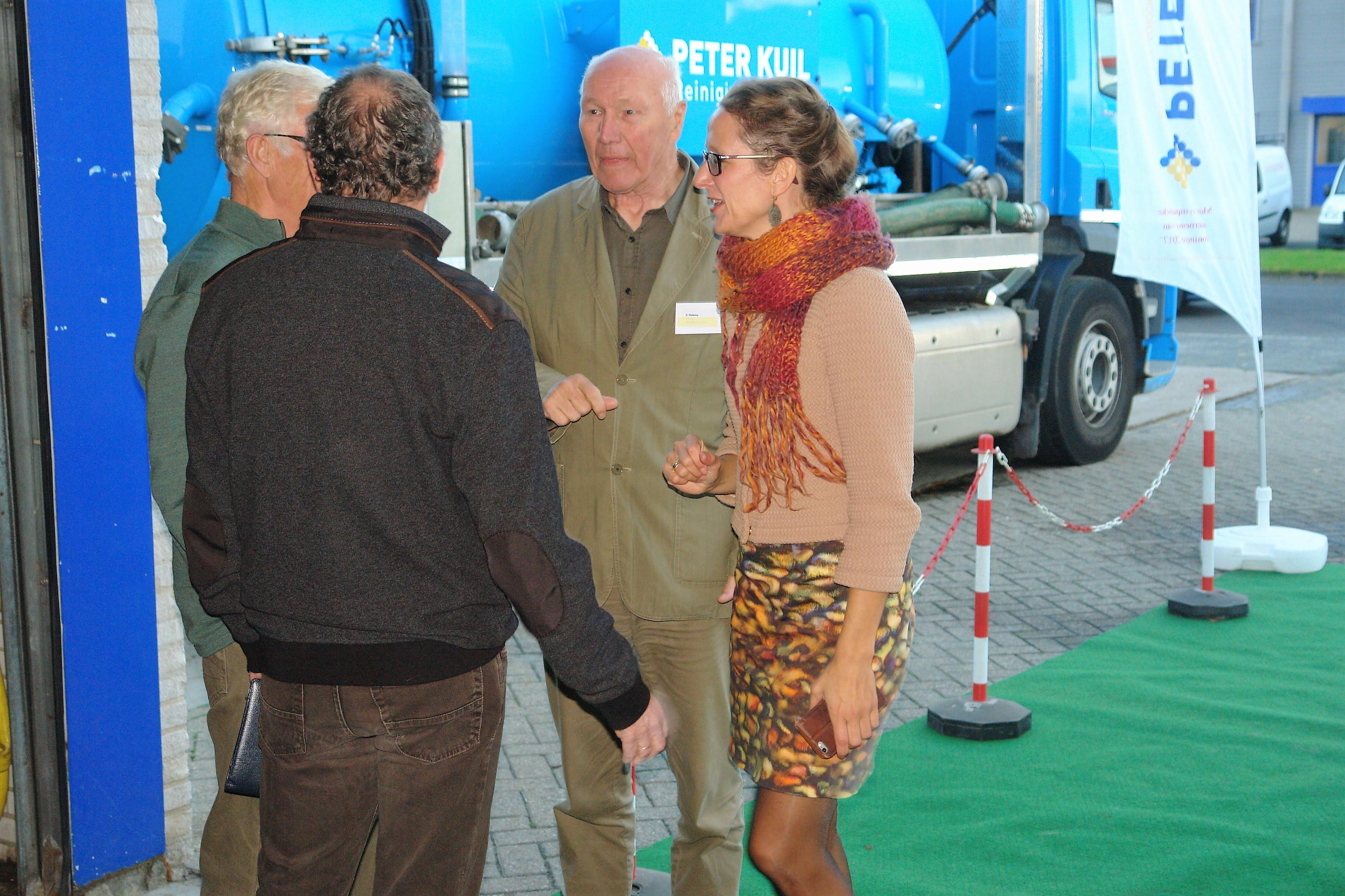 Nienke Homan met Bestuur